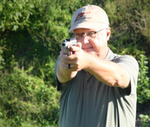 Shooting the Smith & Wesson Victory 22